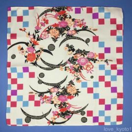F/S Japanese Furoshiki Wrapping Cloth Check Dianthus Flower Beige 47cm Kyoto